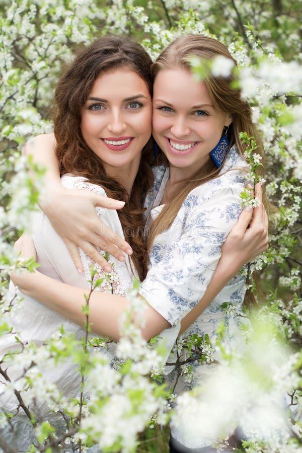 Jonge Kaukasische vrouwen royalty-vrije stock foto
