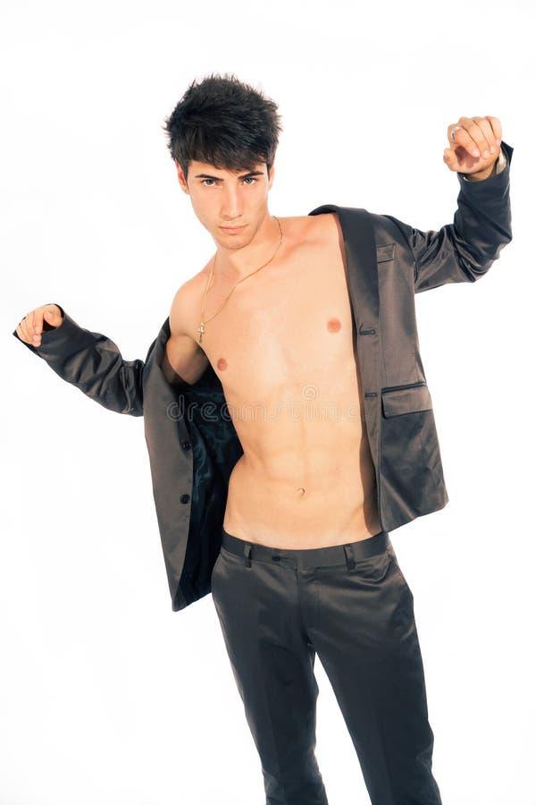Jonge in kerel Italiaanse mens met open jasje stock foto's