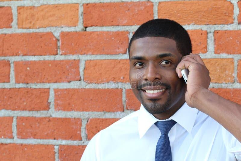 Jonge knappe Afrikaanse Amerikaanse procureur op een bedrijfsvraaggesprek voor een nieuwe baan stock afbeelding