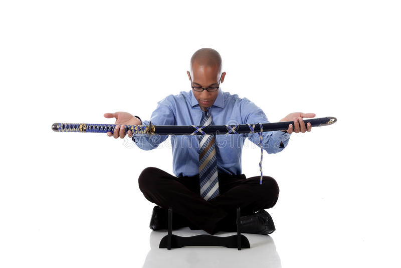 Jonge knappe Afrikaanse Amerikaanse zakenman, zwaard stock foto's