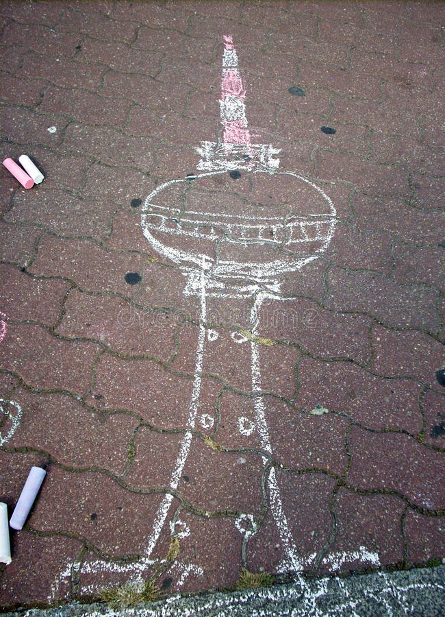 Jonge kunstenaar ` s Fernsehturm Berlijn, Duitsland royalty-vrije stock fotografie