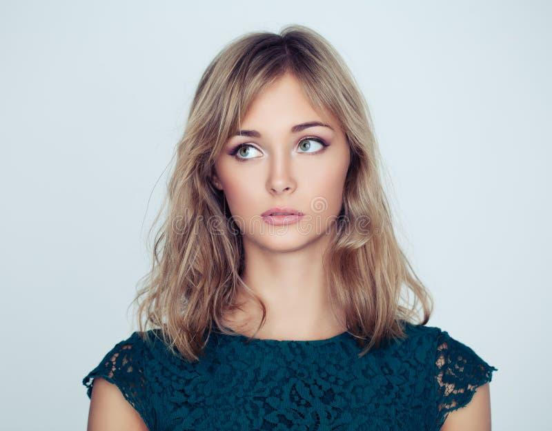 Jonge leuke vrouwenmannequin, portret royalty-vrije stock afbeelding