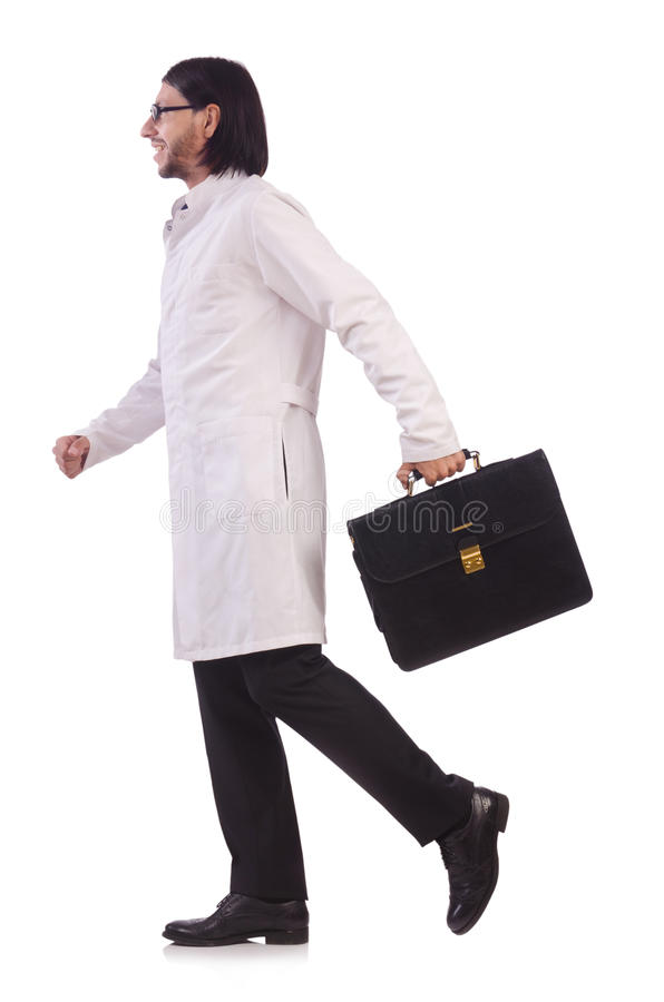 Jonge mannelijke die arts op wit wordt geïsoleerd stock afbeelding
