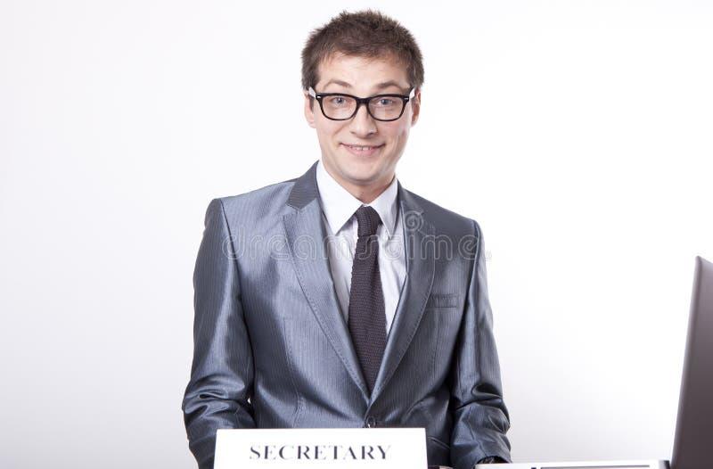 Jonge mannelijke secretaresse stock foto's
