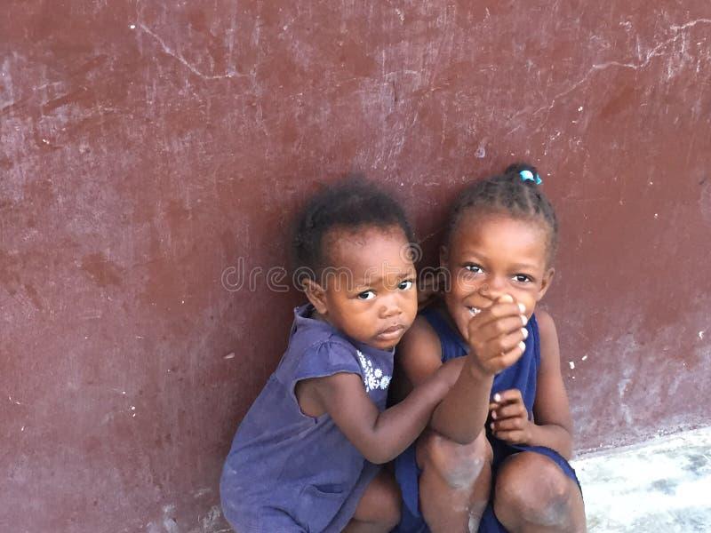 Jonge meisjes van Haïti stock fotografie