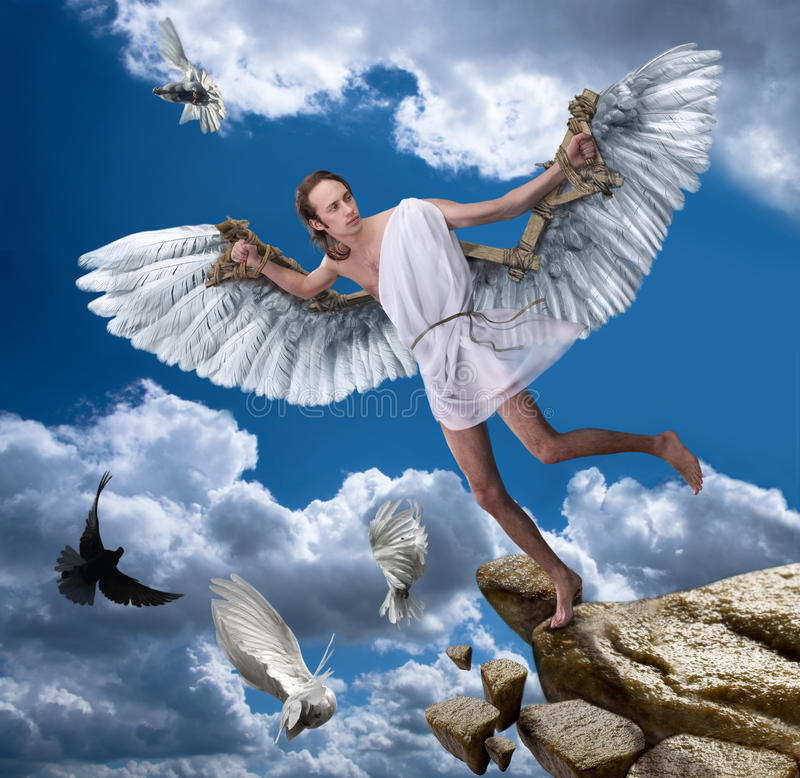 Jonge mens Ikar met vleugels royalty-vrije stock foto