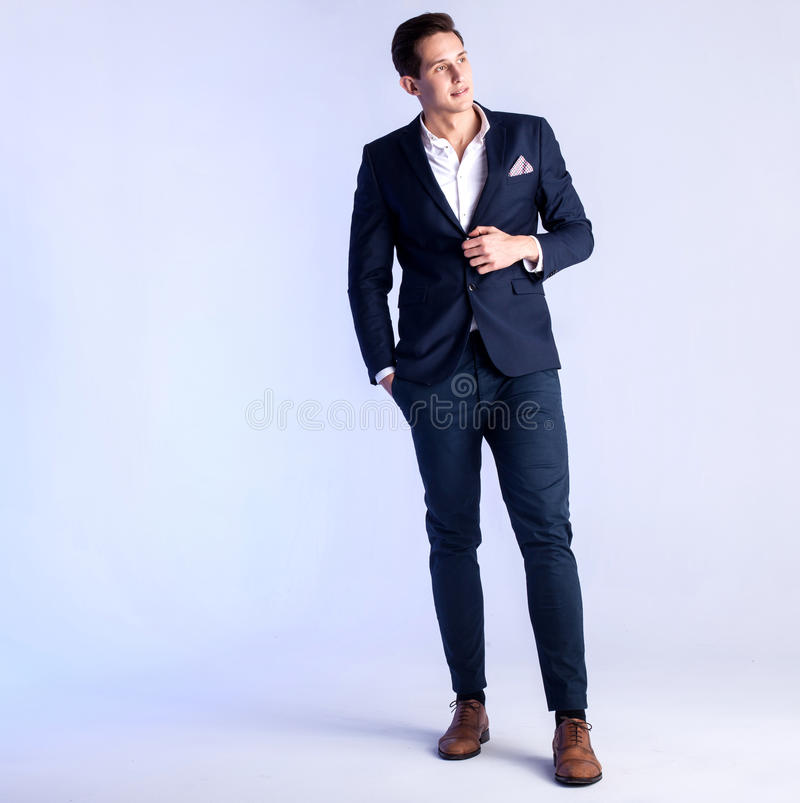 Jonge mens in kostuum royalty-vrije stock foto