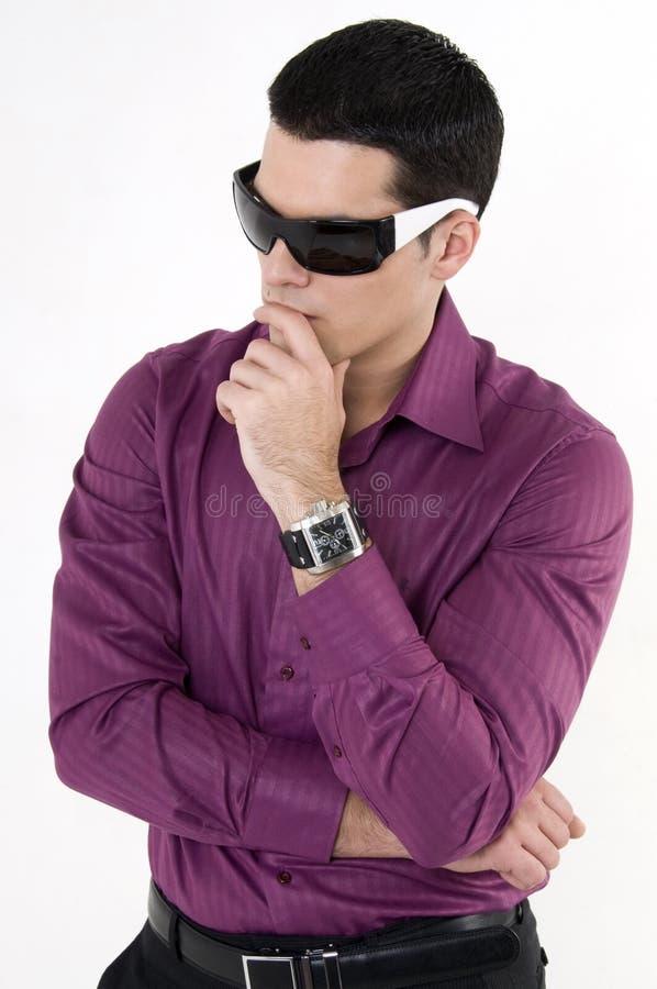 Jonge mens met zonnebril stock fotografie