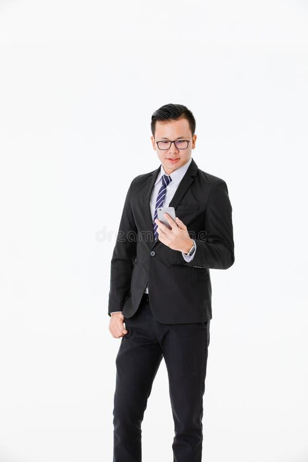 Jonge mens op ge?soleerde witte achtergrond stock foto