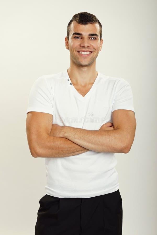 Jonge mens in wit overhemd stock foto's