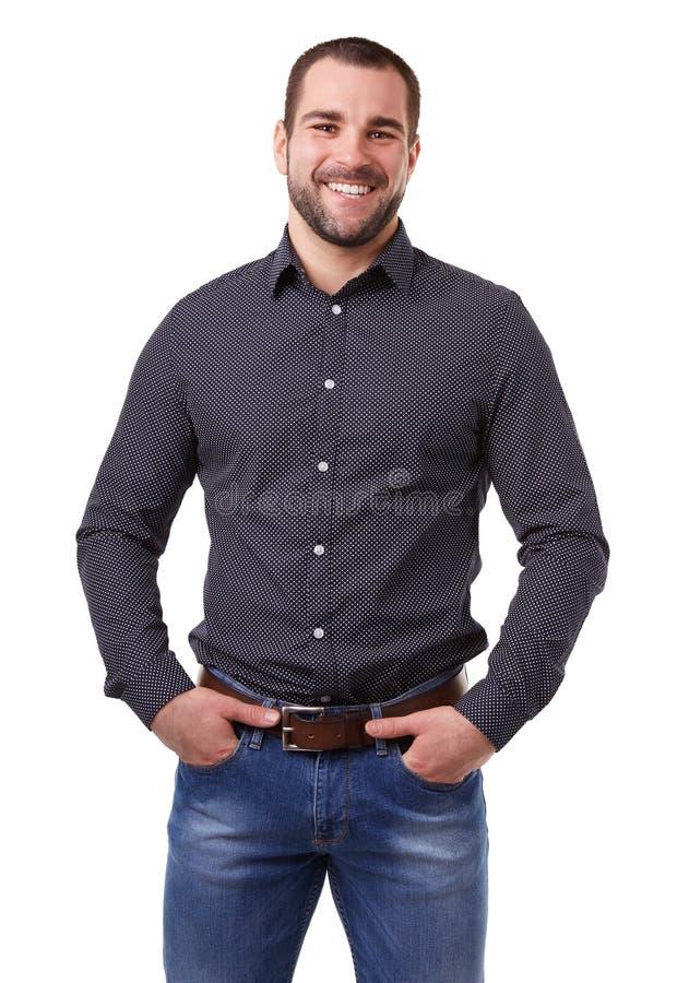 Jonge mens in zwart overhemd stock foto