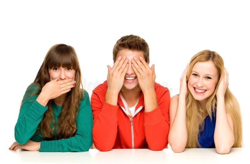 Jonge mensen die hun mondenogen en oren behandelen stock foto's