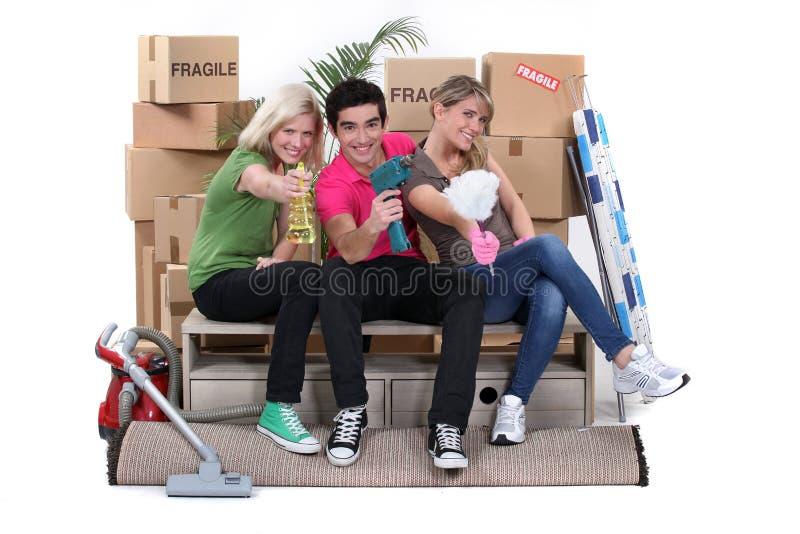 Jonge mensen die zich samen bewegen in stock afbeelding