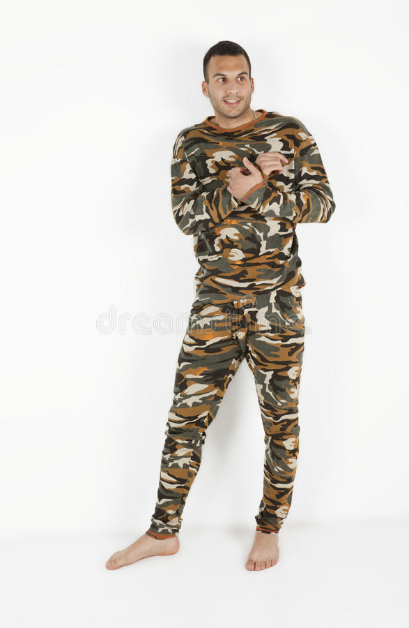 Jonge mensen in pijamas stock fotografie
