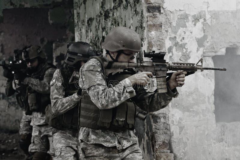 Jonge militairen stock foto's
