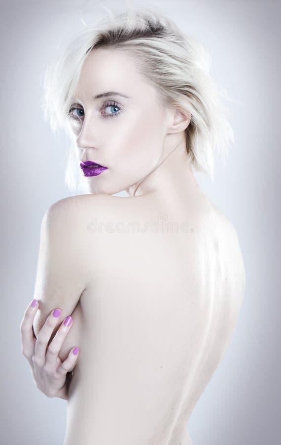 Jonge Mooie blonde topless vrouw royalty-vrije stock foto's