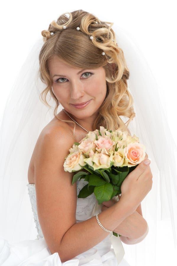 Jonge mooie bruid met modieus kapsel royalty-vrije stock foto's