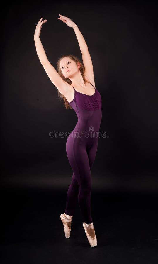 Jonge mooie danser stock foto
