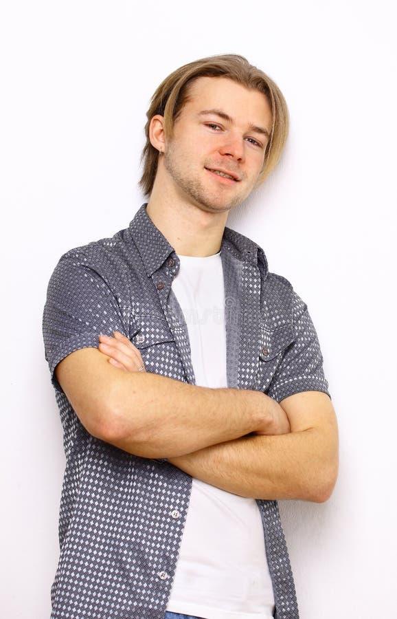 Jonge mooie mens stock afbeelding