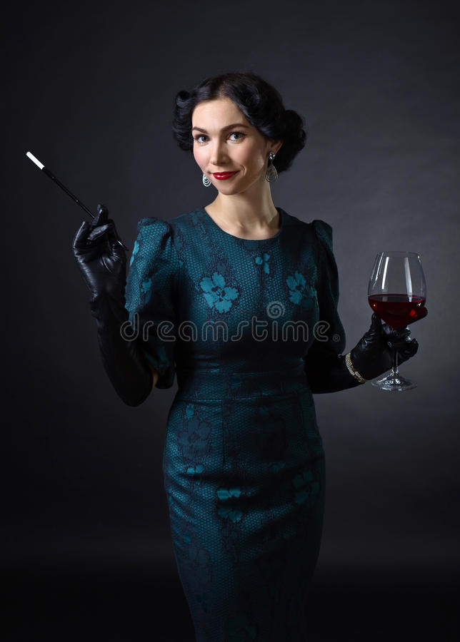 Jonge Mooie Vrouw in Retro Stijl royalty-vrije stock foto