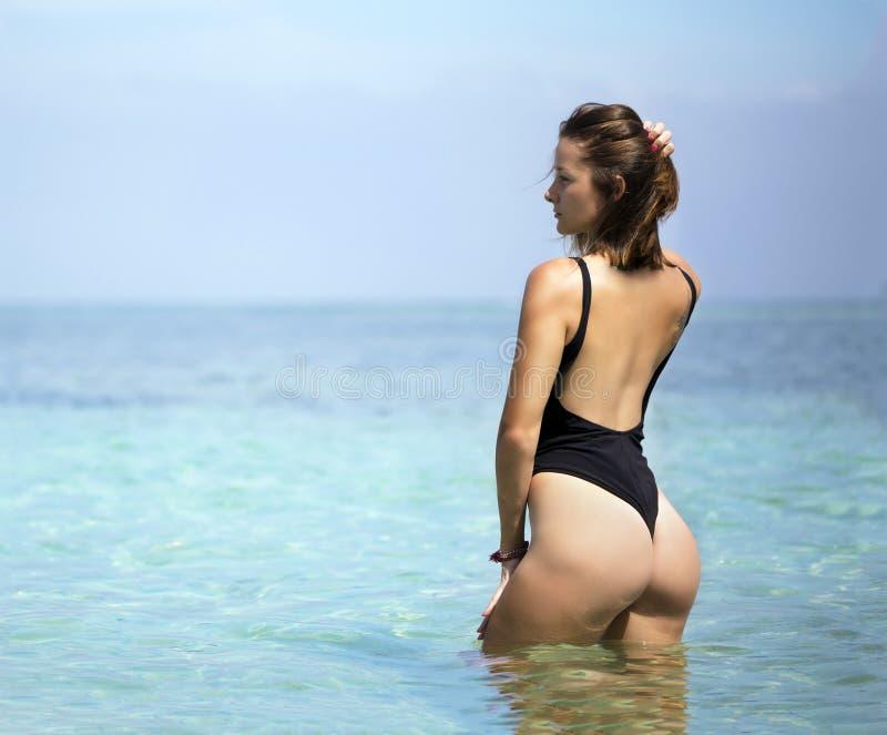 Jonge Mooie Vrouwen In Bikini Stock Afbeelding