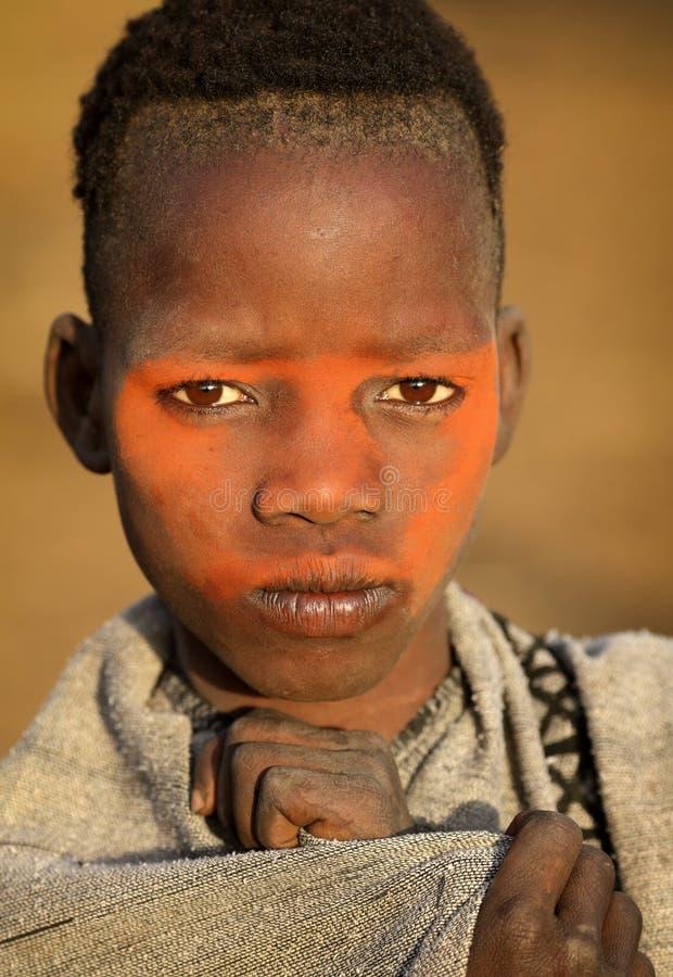 Jonge Mursi-jongen in Zuiden Omo, Ethiopië royalty-vrije stock foto's