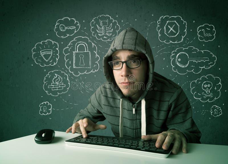 Jonge nerdhakker met virus en het binnendringen in een beveiligd computersysteem gedachten royalty-vrije stock foto's