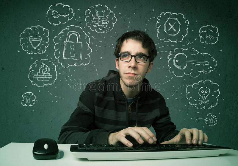 Jonge nerdhakker met virus en het binnendringen in een beveiligd computersysteem gedachten stock foto's