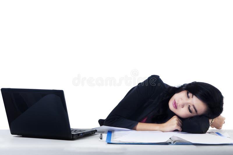 Jonge Onderneemster Geïsoleerd Sleeping - royalty-vrije stock foto