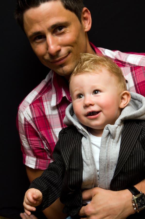 Jonge papa met zoon royalty-vrije stock afbeeldingen