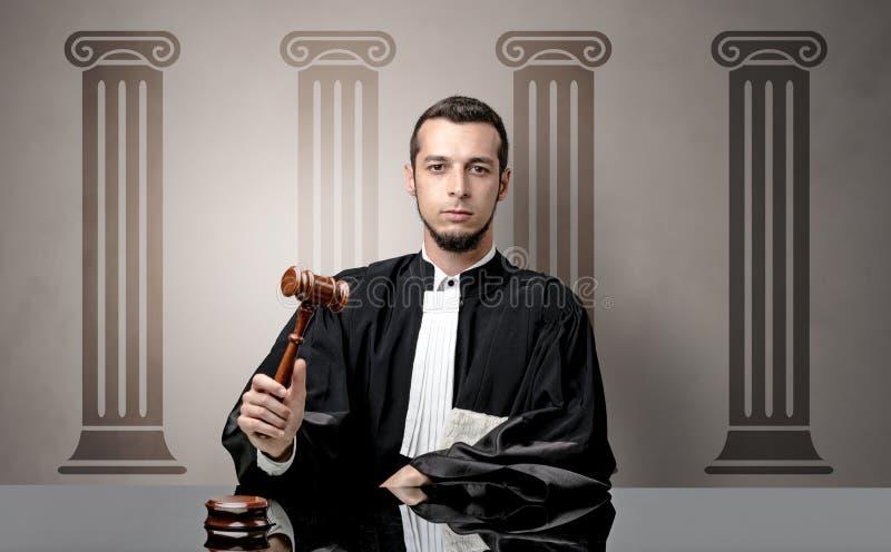 Jonge rechter die besluit nemen royalty-vrije stock afbeeldingen