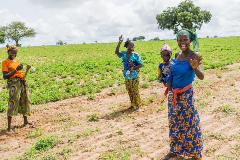 Jonge Senegalese vrouwen stock foto's