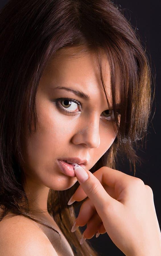 Jonge sexy donkerbruine vrouw stock afbeelding