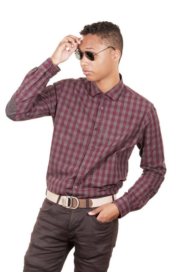 Jonge Spaanse mens met het toevallige kleding dragen stock foto's