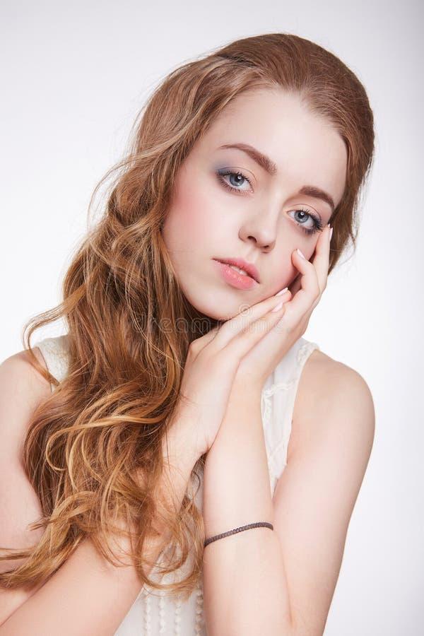 Jonge Vrouw 15 de tienermeisje van de de lenteschoonheid royalty-vrije stock foto's