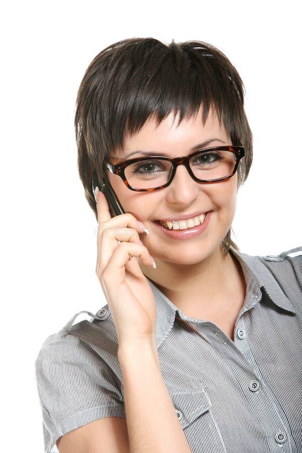 jonge vrouw en mobiele telefoon. stock foto