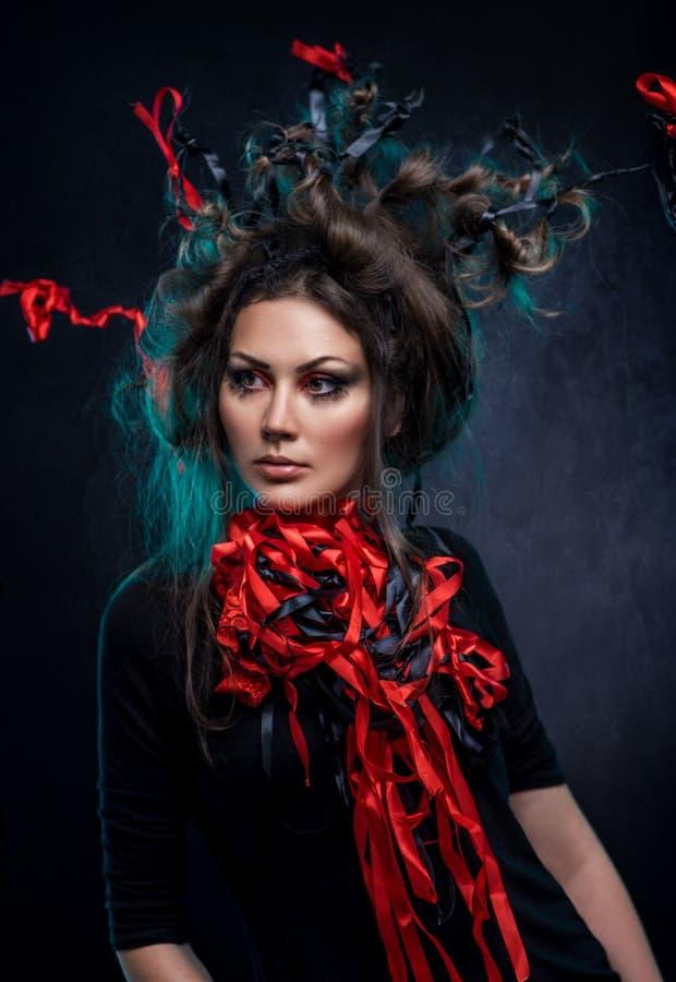 Jonge vrouw in fantasiekostuum stock fotografie