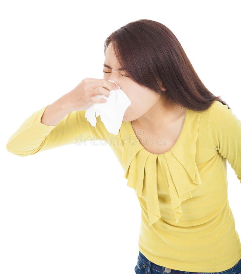 Jonge vrouw met allergie of koude royalty-vrije stock afbeelding