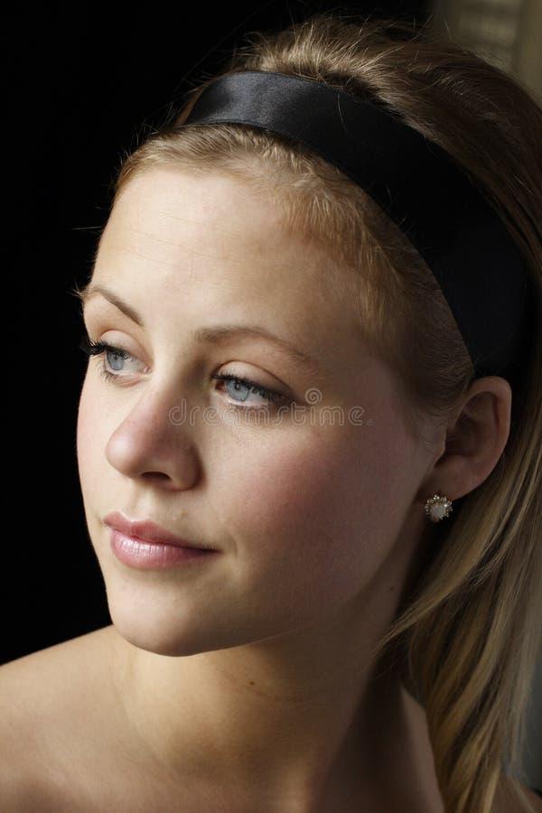 Jonge vrouw met diamant en o royalty-vrije stock foto's