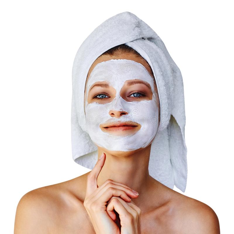 Jonge vrouw met gezichtsmasker op haar gezicht Over geïsoleerde huidzorg en behandeling, kuuroord, natuurlijk schoonheid en de ko stock foto