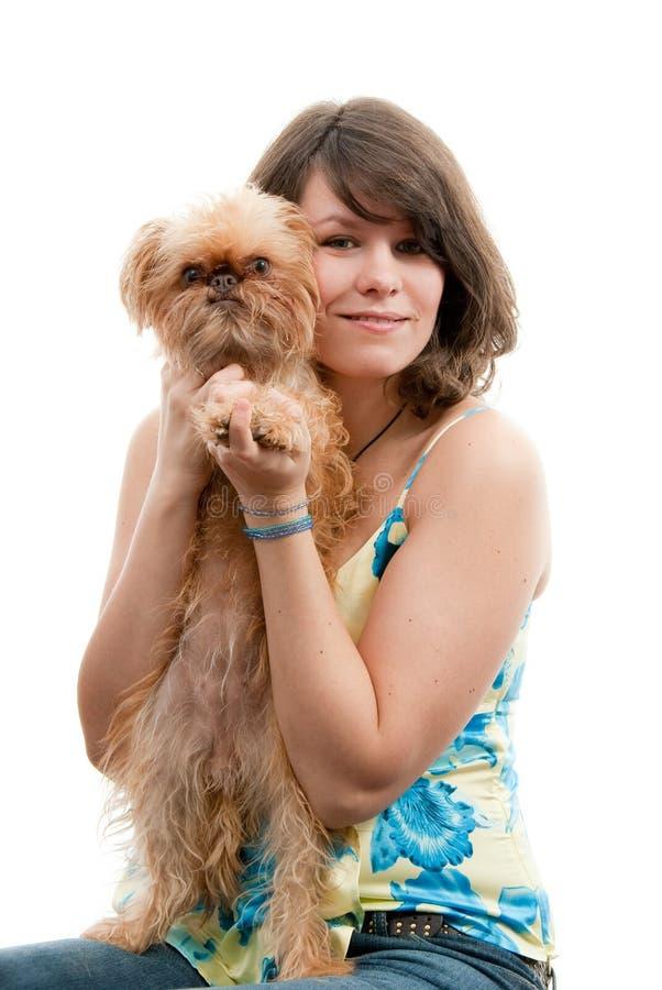 Jonge vrouw met hond royalty-vrije stock afbeelding