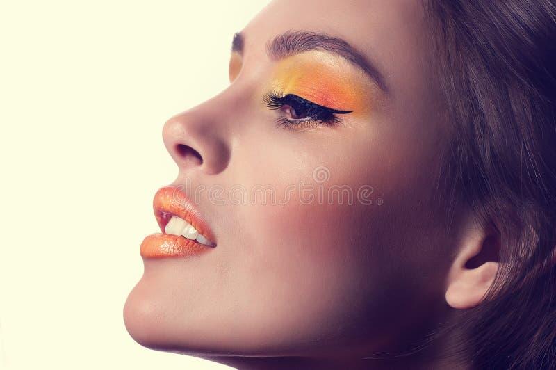 Jonge vrouw met make-up royalty-vrije stock foto