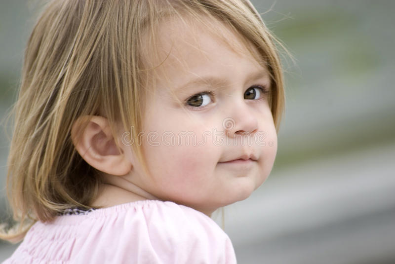 Jonge Vrouwelijke kindclose-up stock afbeelding