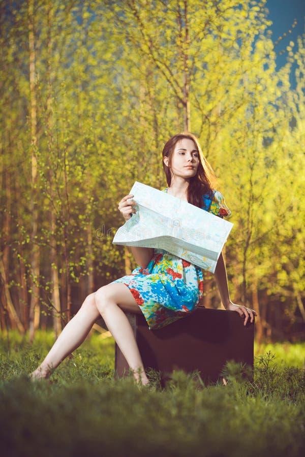 Jonge vrouwelijke reiziger royalty-vrije stock foto's