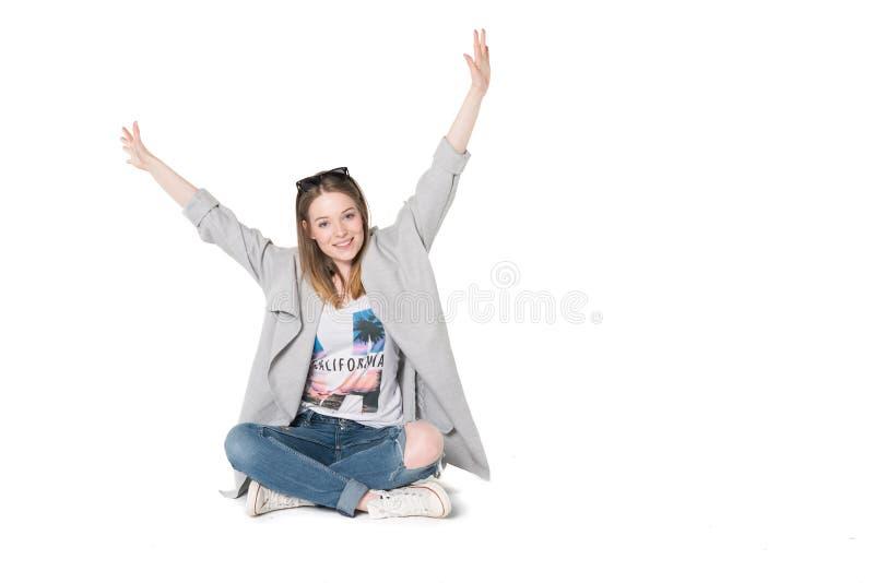 Jonge vrouwen in toevallige manierkleren stock fotografie