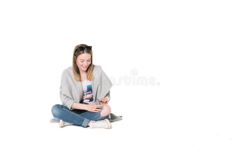 jonge vrouwen in vrijetijdskleding stock foto