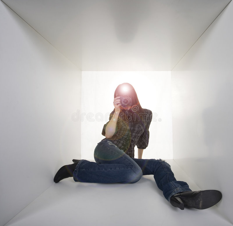 Jonge vrouwenfotograaf royalty-vrije stock fotografie