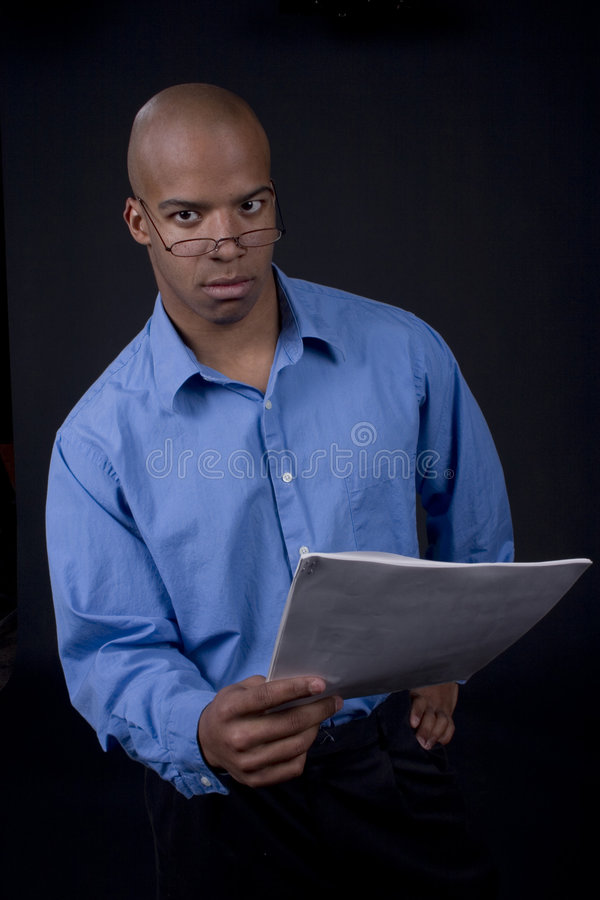 Jonge zwarte mens stock foto