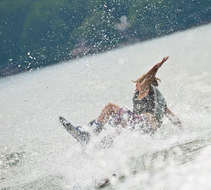Jongen bij het Vallen Wakeboard royalty-vrije stock foto's