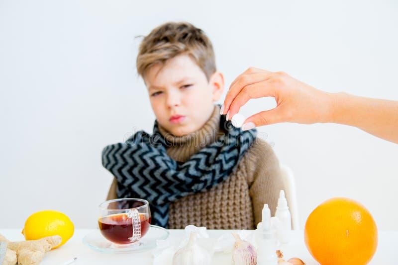 Jongen die griep hebben royalty-vrije stock afbeelding